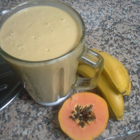 Smoothie de plátano y papaya